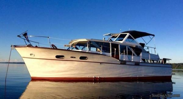 1960 Chris Craft 40' Conqueror